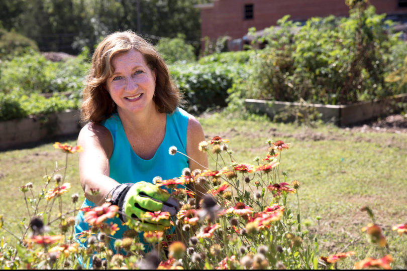 Becky Griffin helps students and communities understand the value of farming and find ways to protect local pollinators. (Dorothy Kozlowski/UGA)
