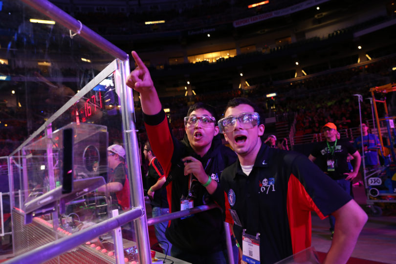 FIRST Robotics challenge group-h.photo