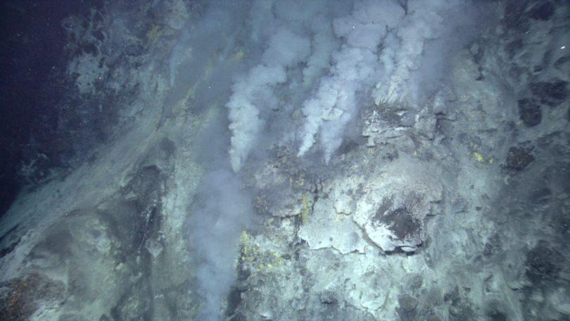 deep ocean hydrothermal vent NOAA-h.photo