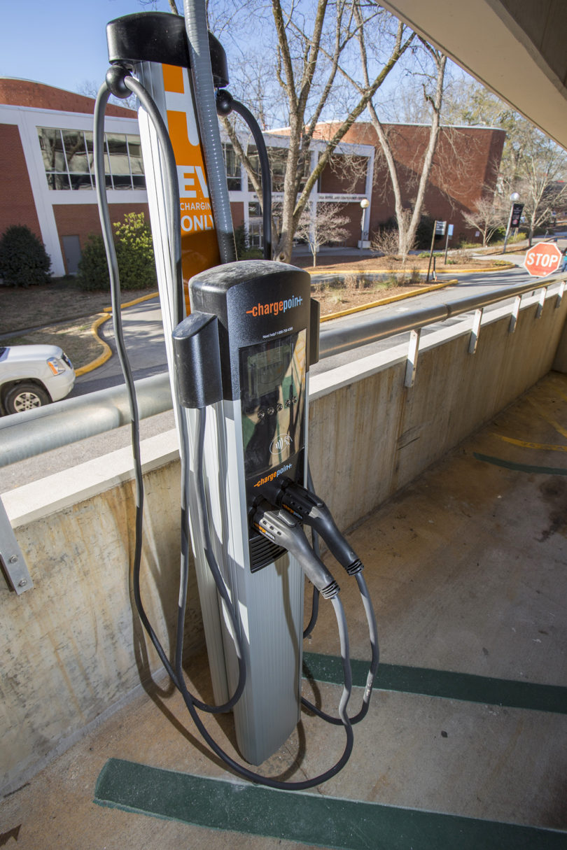 Electric vehicle charger South Campus deck 2015-v.photo