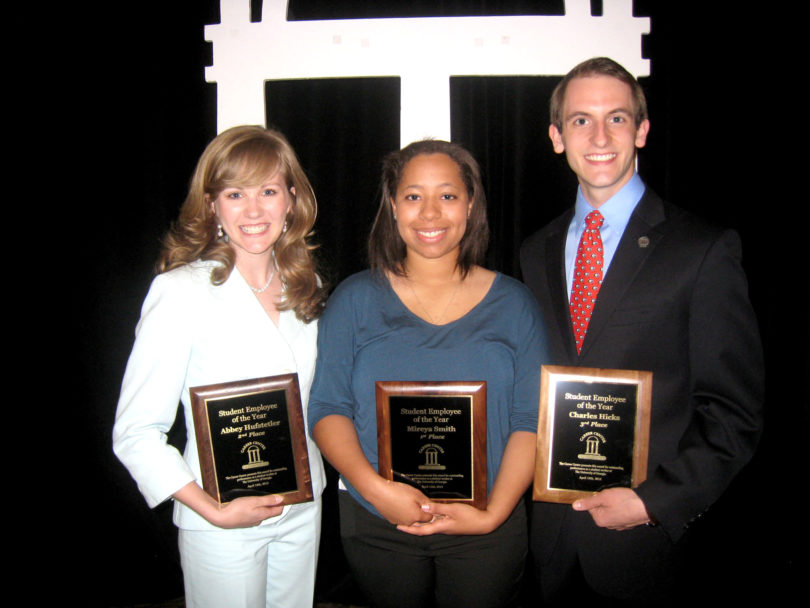 2013 student employees of the year-group.h