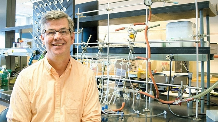 Michael Terns in his lab