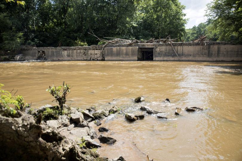 A photo of White Dam